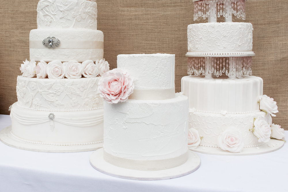 how to hold a wedding cake consultation wedding cakes how sweet it is 15741