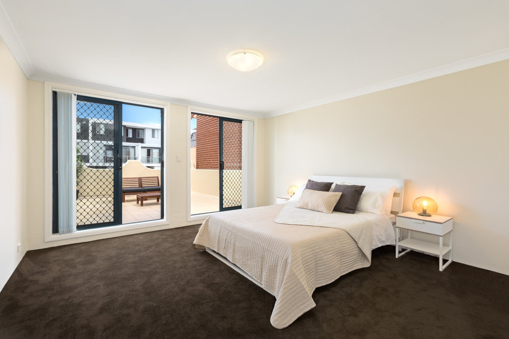 21/753-769 New Canterbury Road, Dulwich Hill, NSW 2203    This quiet, attractive and recently renovated two-storey apartment offers a substantial master bedroom, roomy second bedroom, generous dining and lounge area, modern kitchen, ensuite and elegantly presented main bathroom.