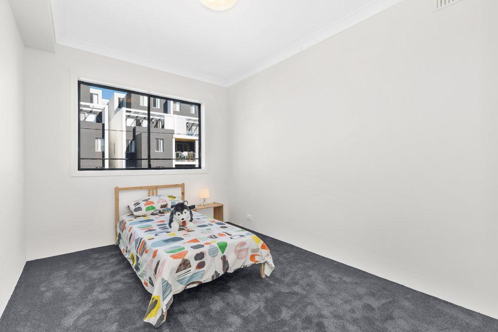 18-753 New Caterbury - Bedroom2 - Web.jpg
