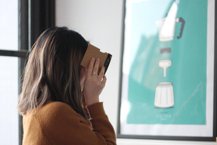 2018 Social Media Trends: Virtual Reality