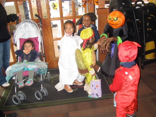 rellas-spielhaus-german-daycare-halloween-2.jpeg