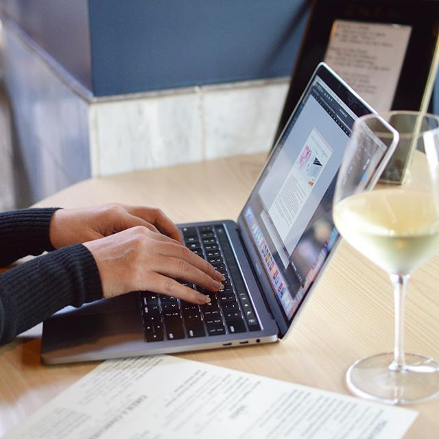 Will.Work.From.Anywhere (there is wine). Honestly though, I love working from a quiet corner with my computer and a glass of really good vino. Another solid day in the books, feeling super grateful for such amazing clients ❤️ . . . . #workfromanywhere #thateventlife #entrepreneurlife #wineandwork #winelover #laptoplifestyle #worklife #mobileoffice #eventplanner #sanfrancisco #melissafancy