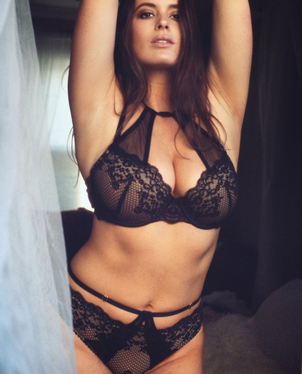 photo @iamjtgallery | Lingerie @brasnthings