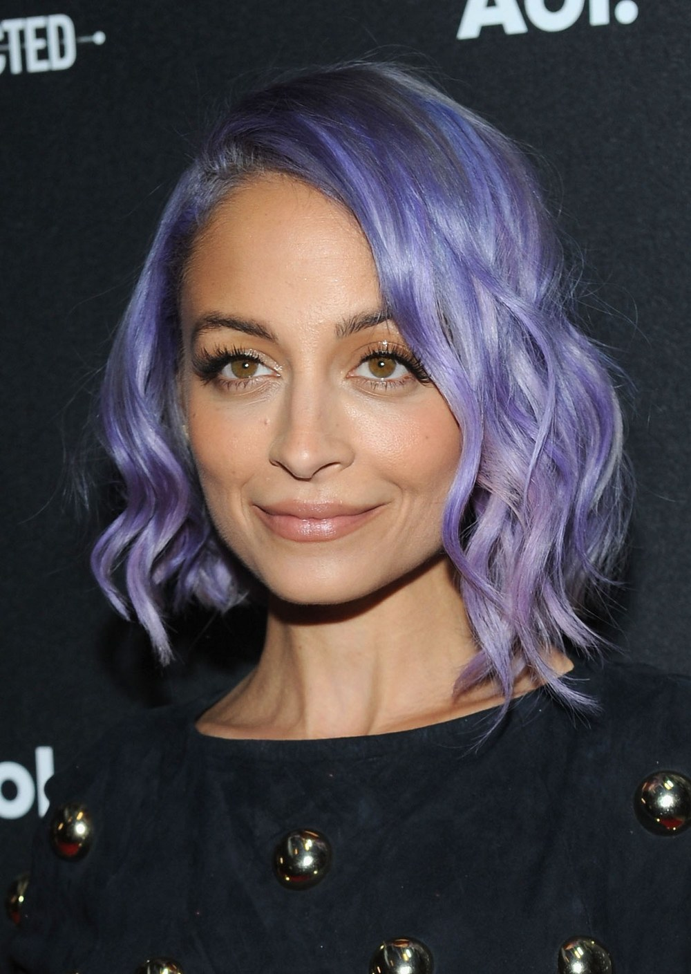 beauty-2014-04-nicole-richie-deeper-purple-hair-color-main.jpg