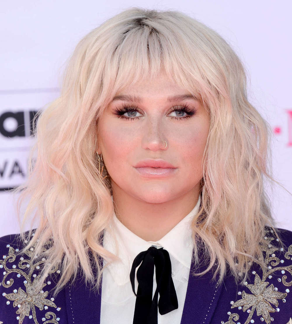 Kesha--2016-Billboard-Music-Awards--04.jpg