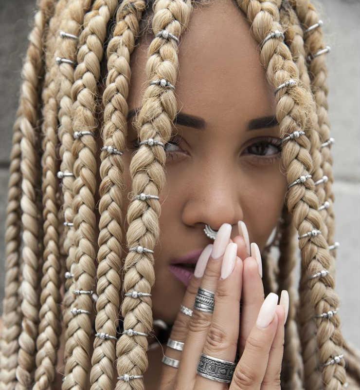 box-braid-jewelry-blond-long.jpg