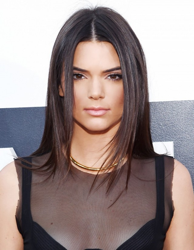 Kendall-Jenner-Super-straight-hair.jpg