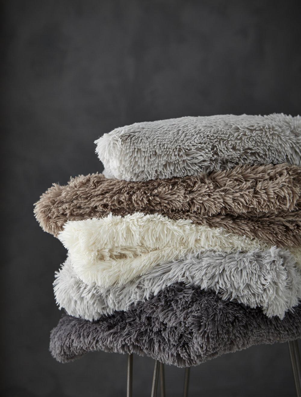 CL Cushions_Various_M09_0618.jpg