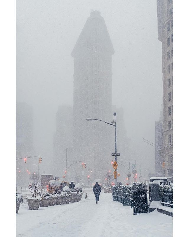 PHOTOGRAPHER OF THE WEEK Monday 53PW inspirational shot taken by @manolobrown  We start Manuel's week with a stunner of an XF35mm shot. The depth and dynamic range within this photograph is beautifully rendered. The snowy mist in the background gifting us a glimpse of the iconic Flatiron building is superb and composed with the lone subject walking in line with it creates that strong sense of balance that is so very prominent. Colour grading is perfectly and stylishly added presenting Manuel's signature that you will see all throughout this week. A gorgeous almost nostalgically looking shot. Bravo!  Inspiration is the Intention _______________________________________ #53pw fuji #fujifilm #fujinon #fujifilmme #fujifilmmy #fujifilmasia #fujicamerasaus #fujifilmfrance #fujifilm_xseries #fujixclub #fujixnet  #xf35mm #fujifilm_uk #fujifilm35mm #peoplescreatives #justgoshoot #exploretocreate #teamfuji #fujifilmeu #fujifilm_northamerica #fujifilmxworld_es #fujilove #fujifeed