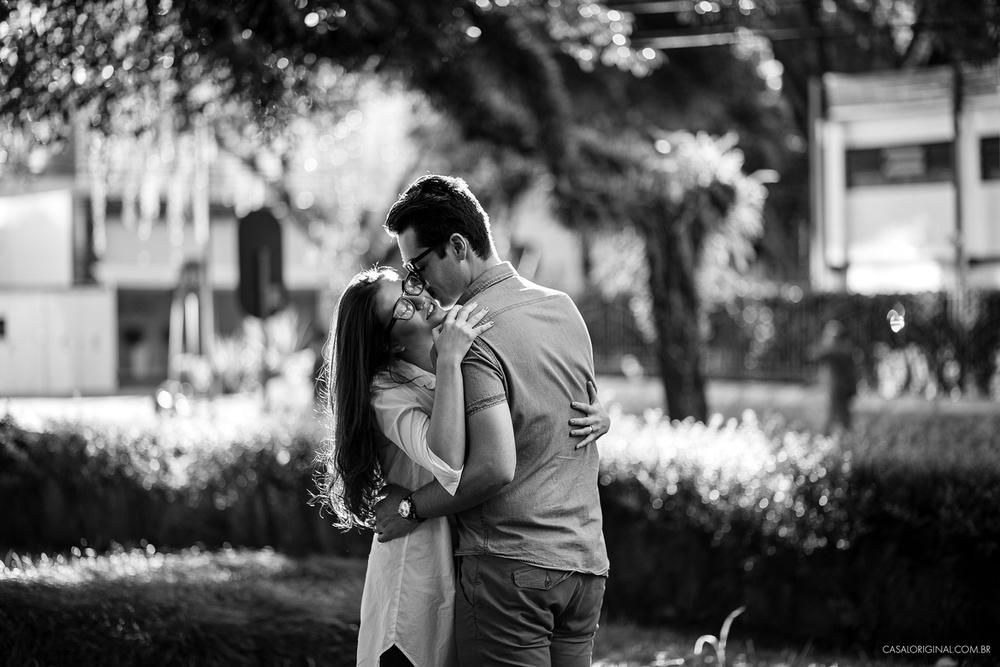 Ensaio-noivos-ensaio-casal-pre-wedding-ensaio-noivos-curitiba-fotografia-casamento-fotografo-casamento-fotografia-casamento-curitiba_12.jpg