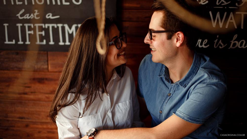 Ensaio-noivos-ensaio-casal-pre-wedding-ensaio-noivos-curitiba-fotografia-casamento-fotografo-casamento-fotografia-casamento-curitiba_17.jpg