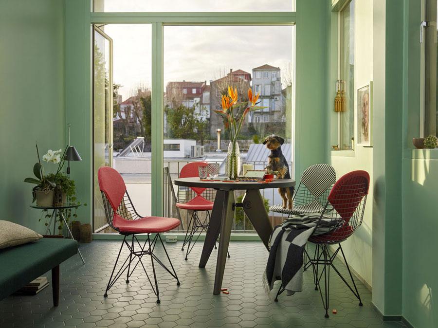Wire-Chair-DKR-2_VITRA-_Oliva-1934-Pavimenti-Genova.jpg