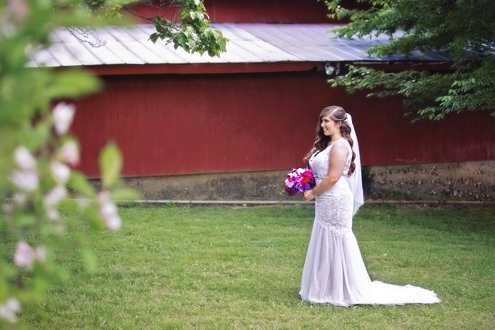 Beautiful Bride at the CoffeyBarn