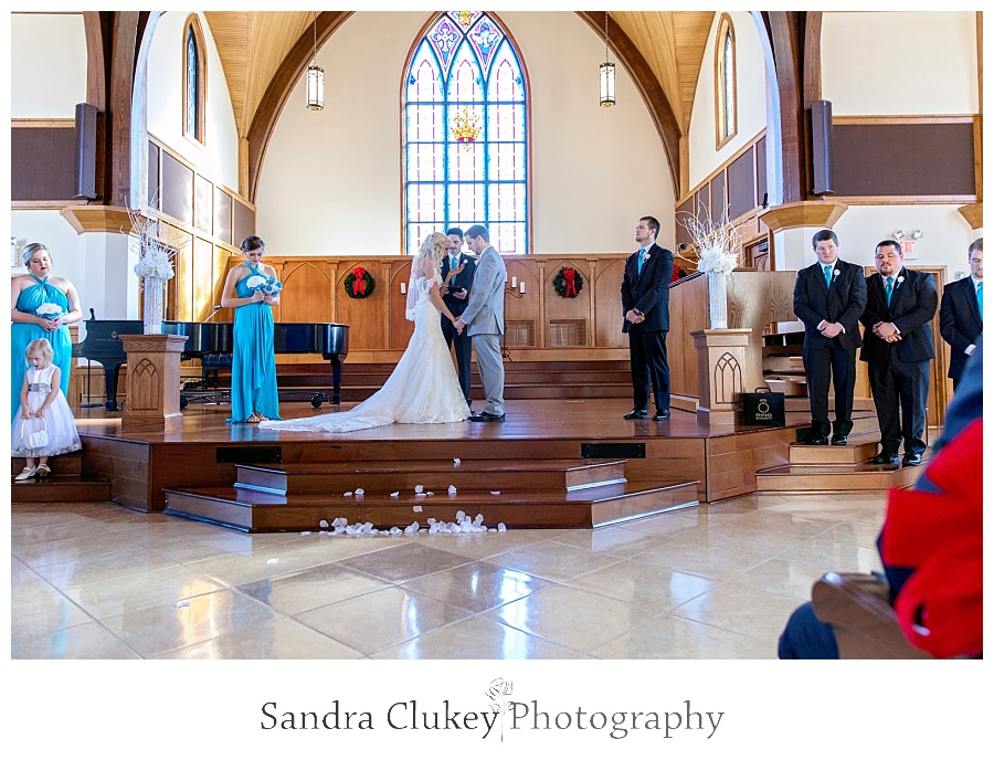 Tying the knot in the Chapel at Lee University
