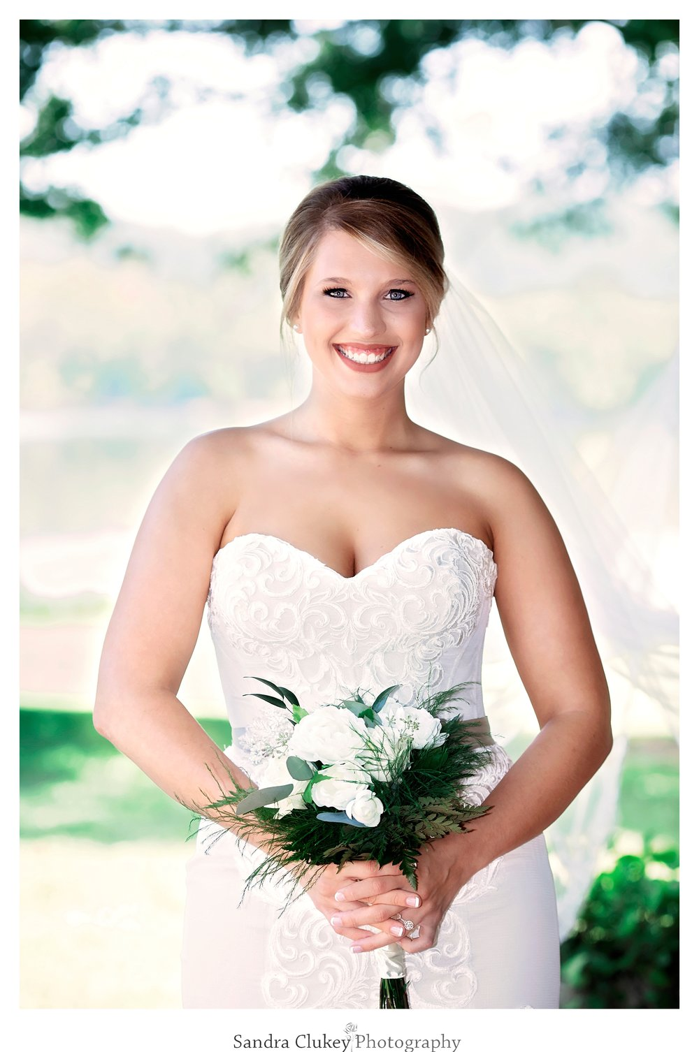 Magnificent Bridal Portrait. Tennessee RiverPlace, Chattanooga TN