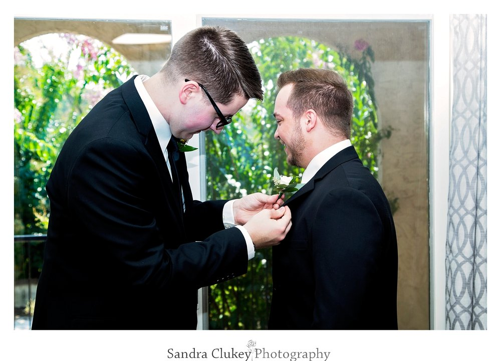 Anxious groom gets assistance. Tennessee RiverPlace, Chattanooga TN