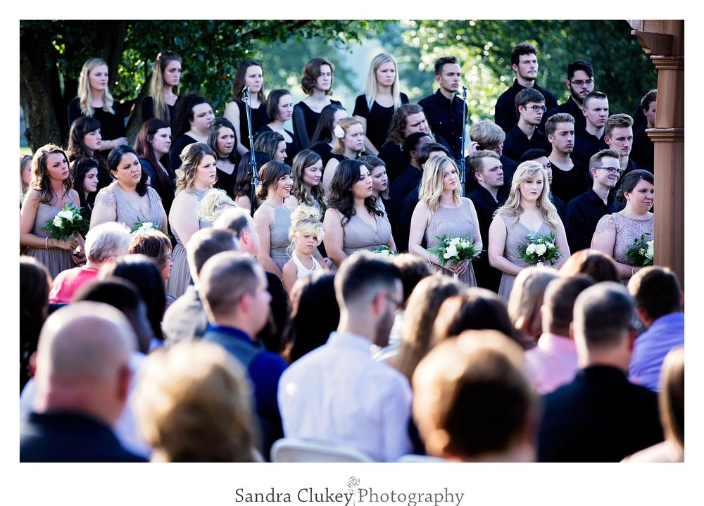 Lee University Campus Choir sings at wedding
