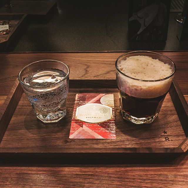 When you love #whiskey but also aren't drinking because #mymetabolismsucks, there's whiskey barrel aged cold brew from @starbucksroastery to make your day. I love that I love #coffee.