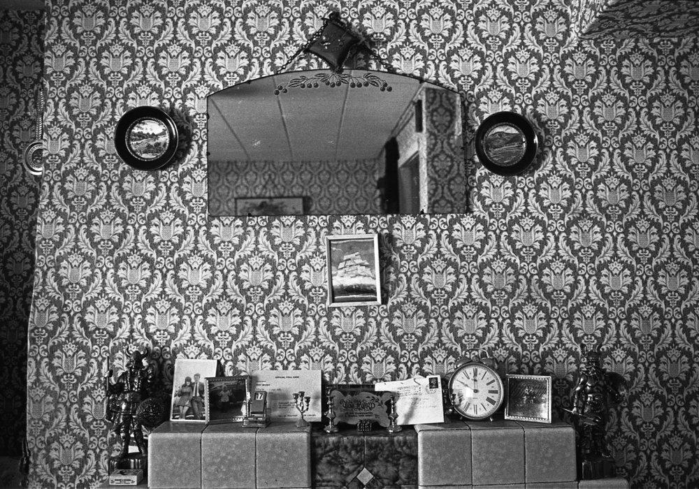 SR1974 - 4 Living room, Rowland Street.jpg