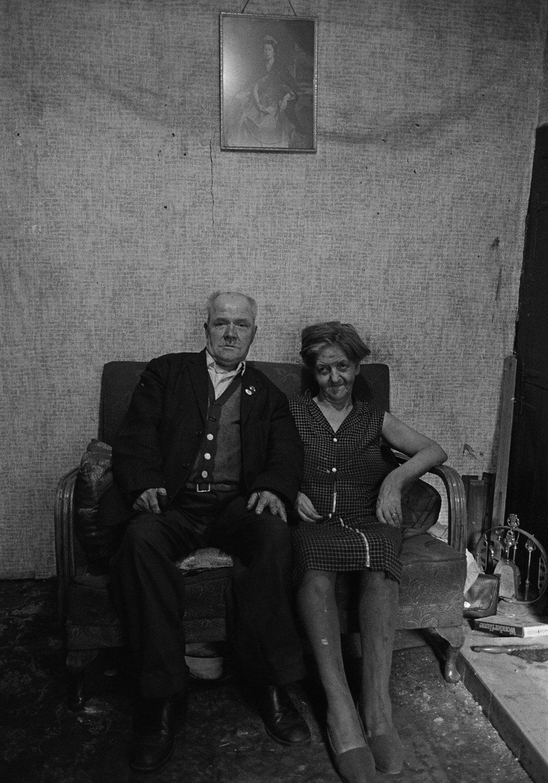 SR1974 - 24 Husband and wife.jpg