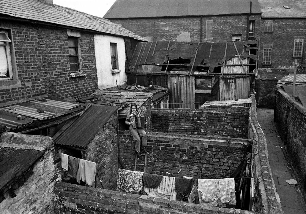 SR1974 - 30 June Hutchinson, Boyne Square.jpg