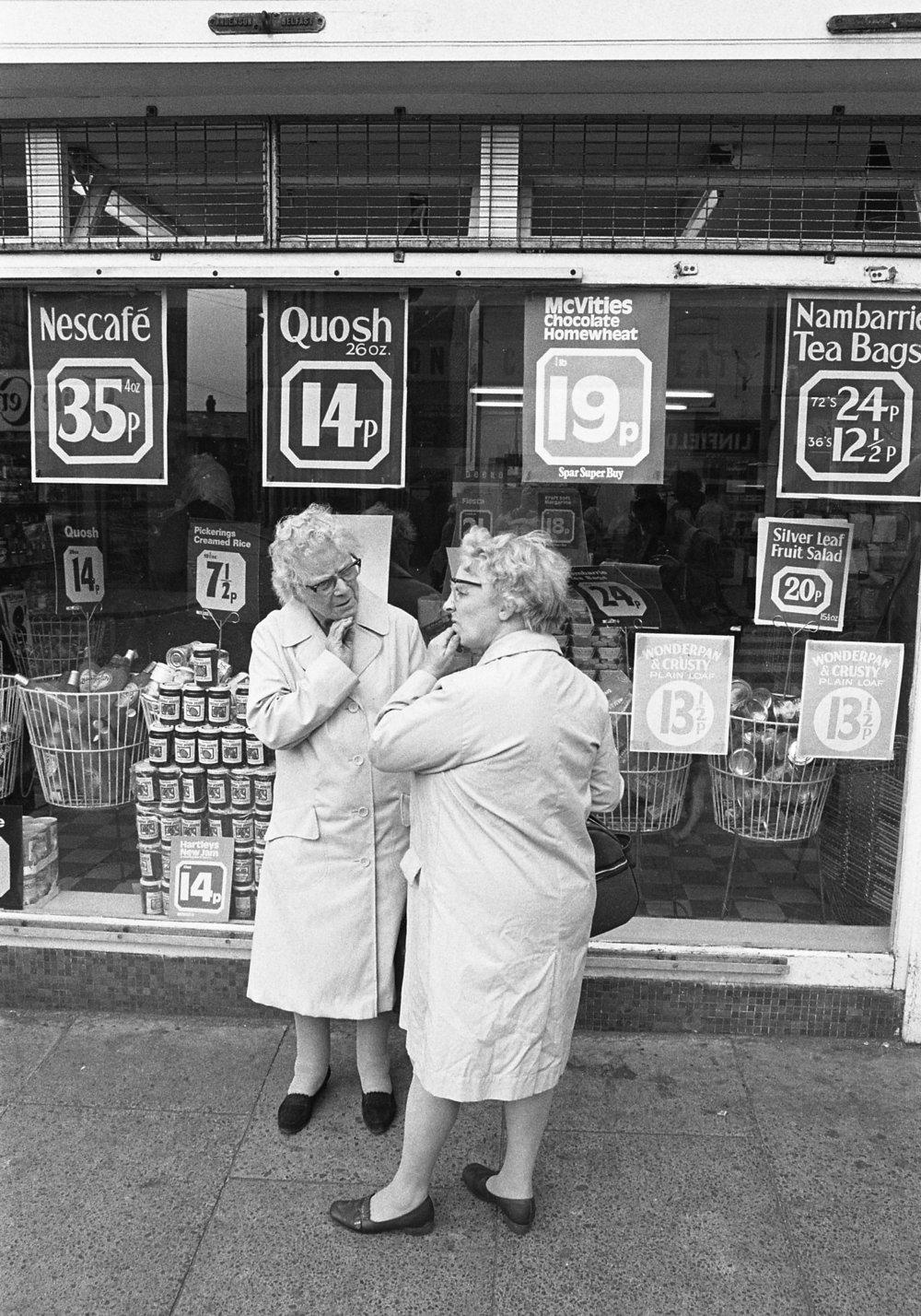 SR1974 - 40 Shoppers.jpg