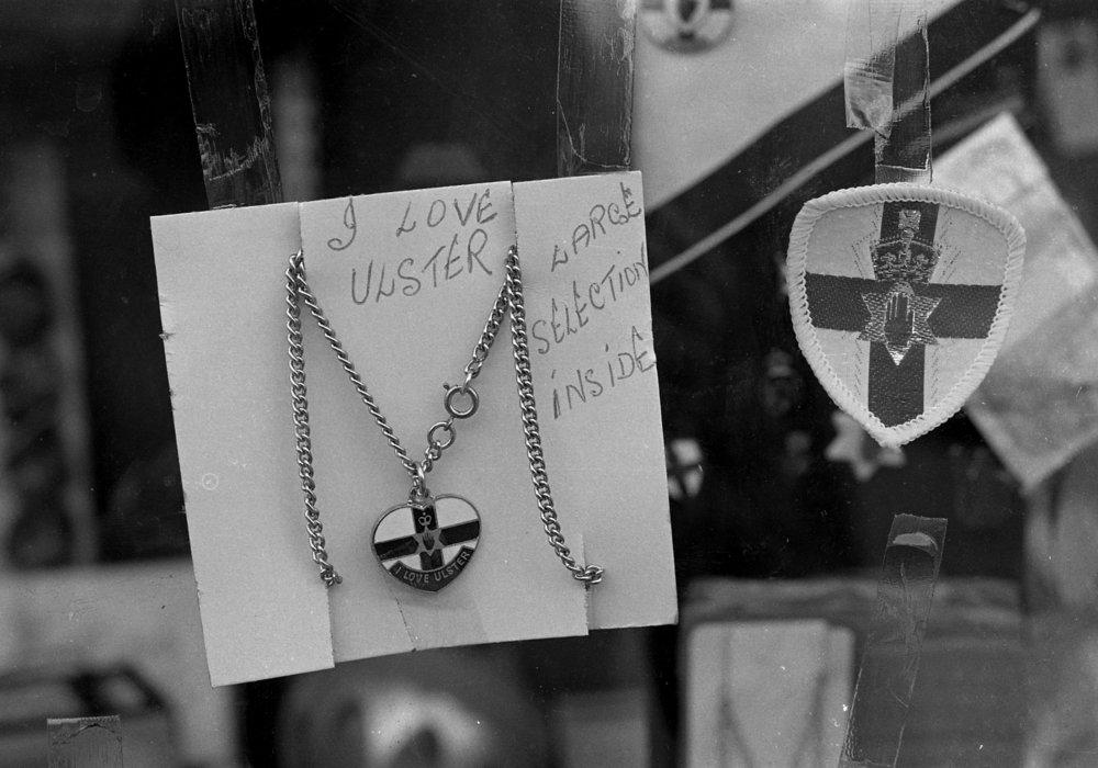 SR1974 - 72 Warwick's shop.jpg
