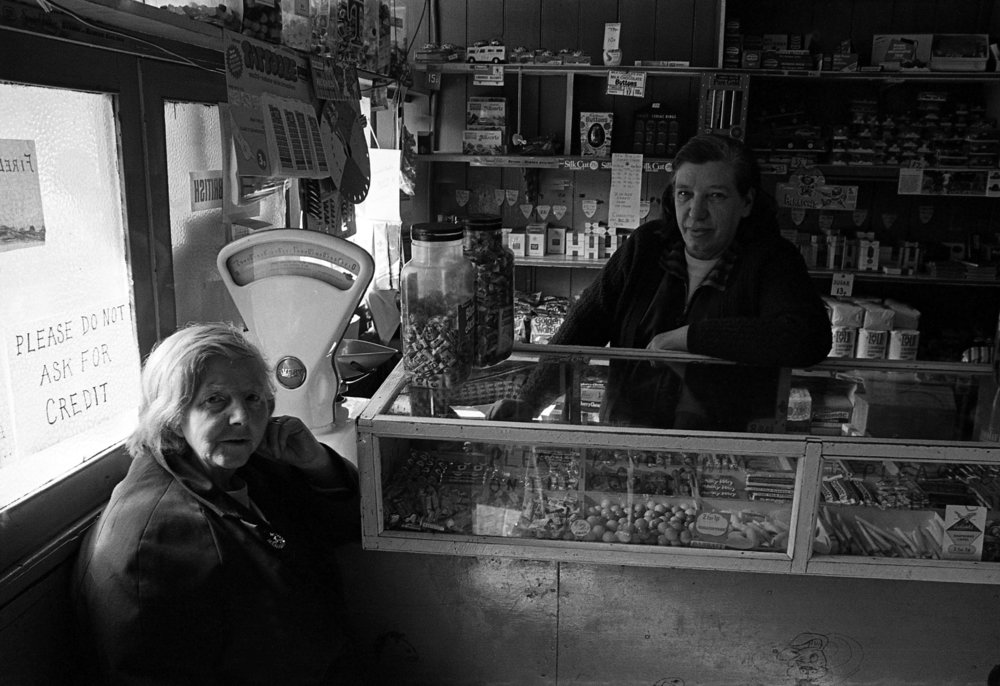 Shops-Agnes's shop, Sandy Row.jpg