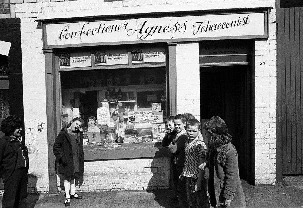 Shops-Agnes's shop, Sandy Row 02.jpg