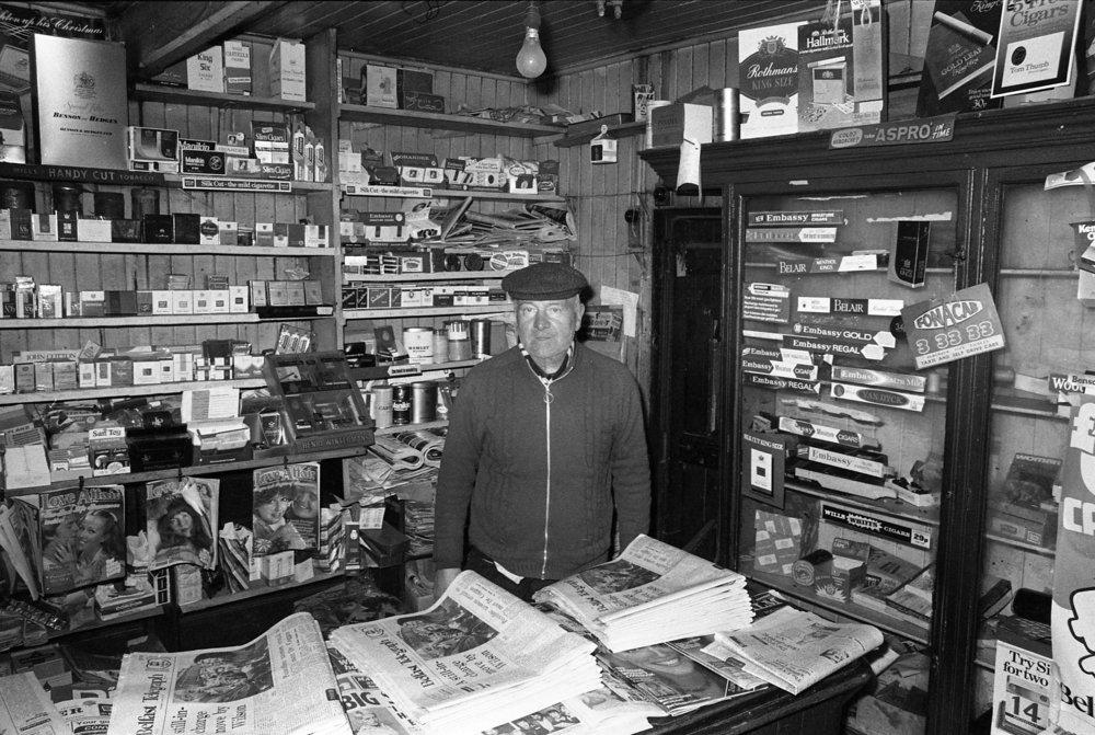 Shops-Wm. Kirk. Bridge End, 1971. 02.jpg