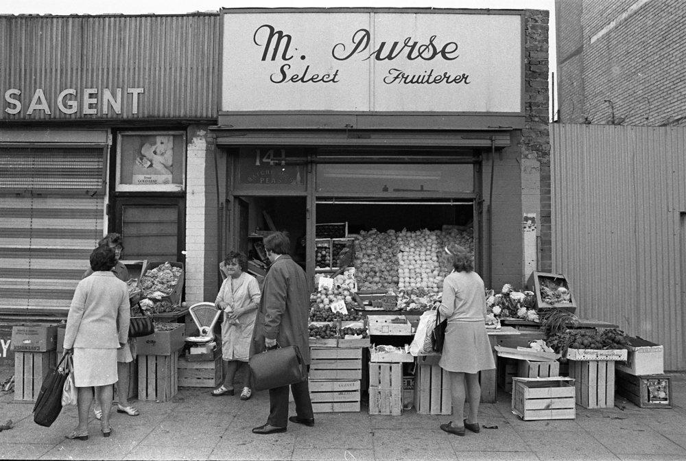 Shops-York Street, 1973.jpg