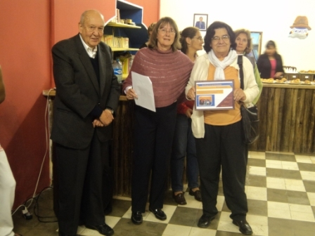 Dr. Iturri and his wife Carmen from the Fundacion San Luis receive their thank you certificates.