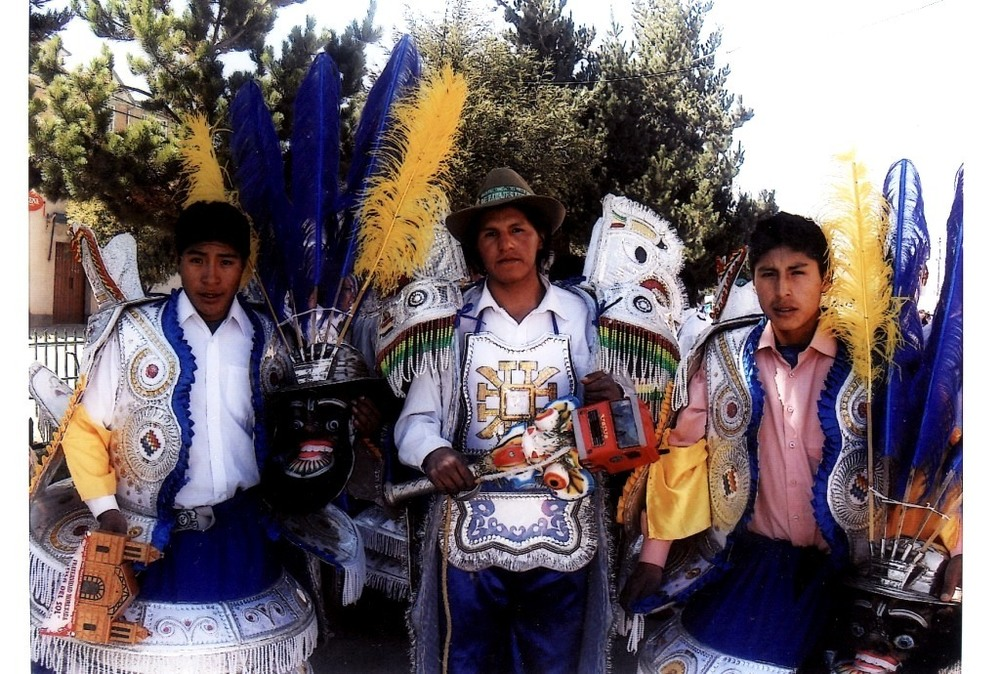 reynaldo y gustavo - baile en don bosco.jpg