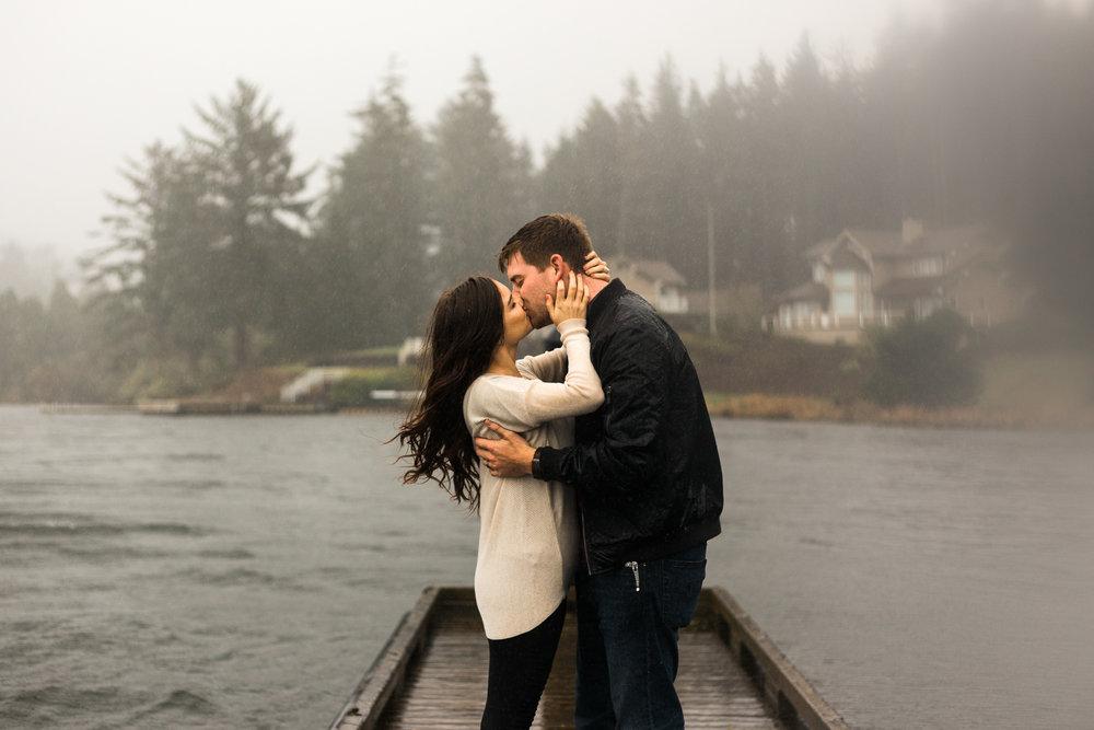 Rainy Oregon Coast Couple Session - Lincoln City OR
