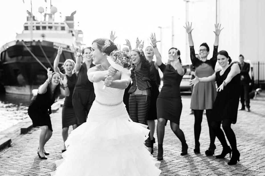 bruidsfotograaf-rotterdam-markthal-vertrekhal-36