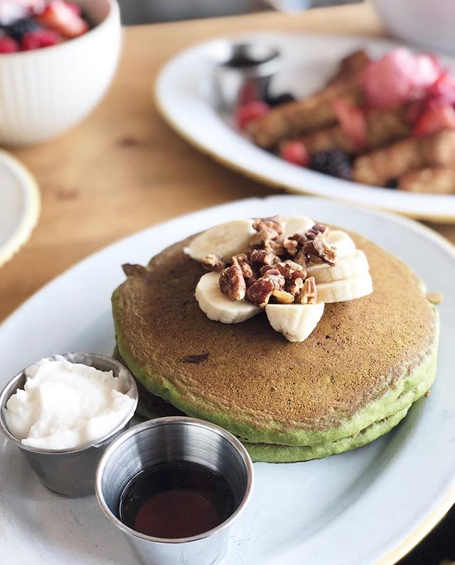 Gluten Free Matcha Pancakes 🥞🍵 #BRUNCH (📷: @caitwu )