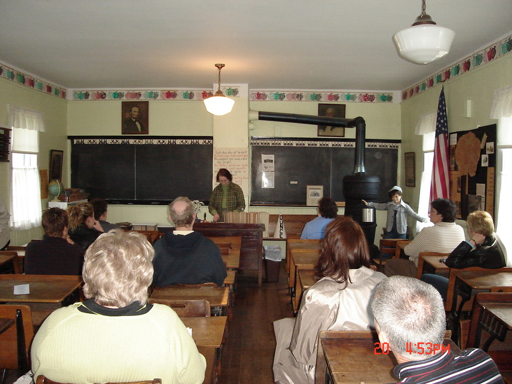 Session on Tourism History-in Combs School-Shirley Sides.jpg