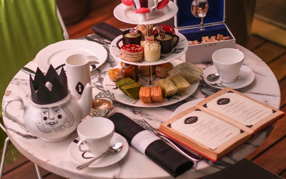 london0815-tea-mad-hatters-tea-sanderson.jpg