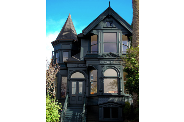 18-green-painted-victorian-california-home-design.png