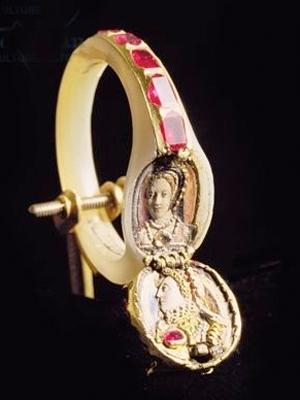 lockt-ring-elizabeth-11.jpg