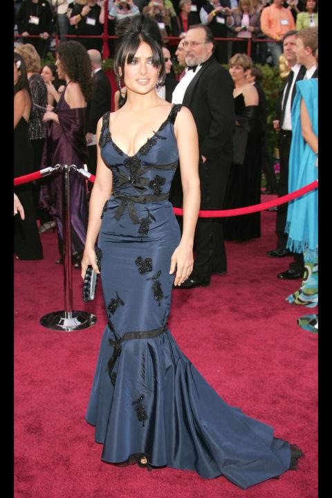 54bc08a943798_-_hbz-100-best-dresses-2005-salma-hayek