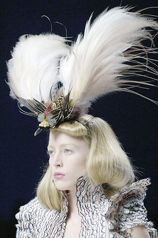 philip-treacy-for-alexander-mcqueen