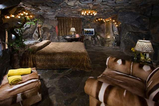 Madonna Hotel Cave Room