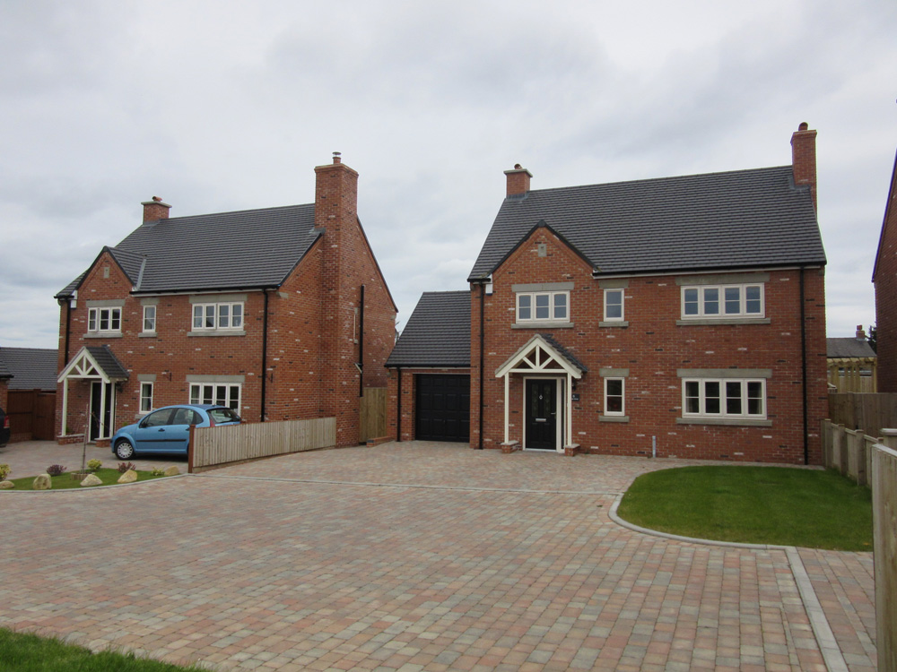 new build housing 4 bed houses