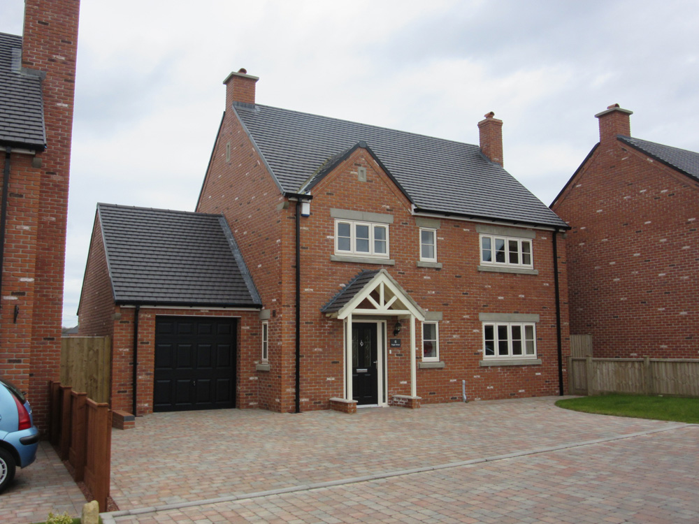 detached housing chesterfield