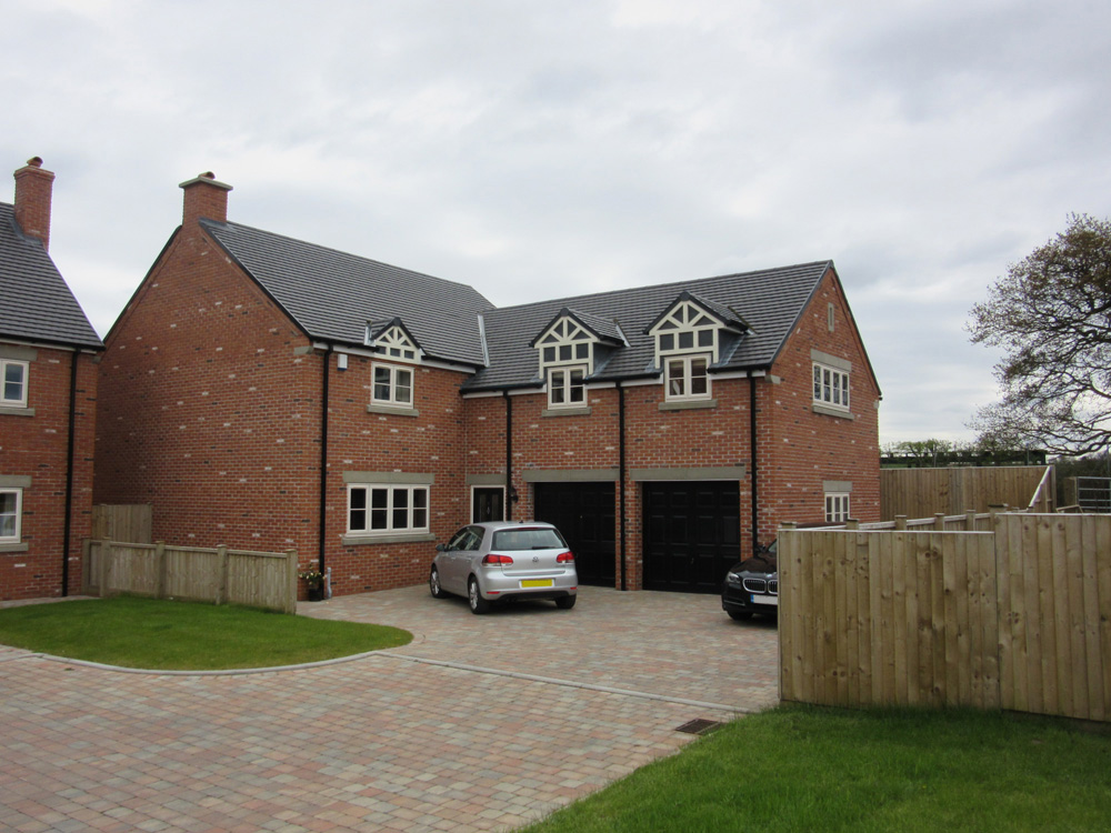 new build 3 bed and 4 bed houses
