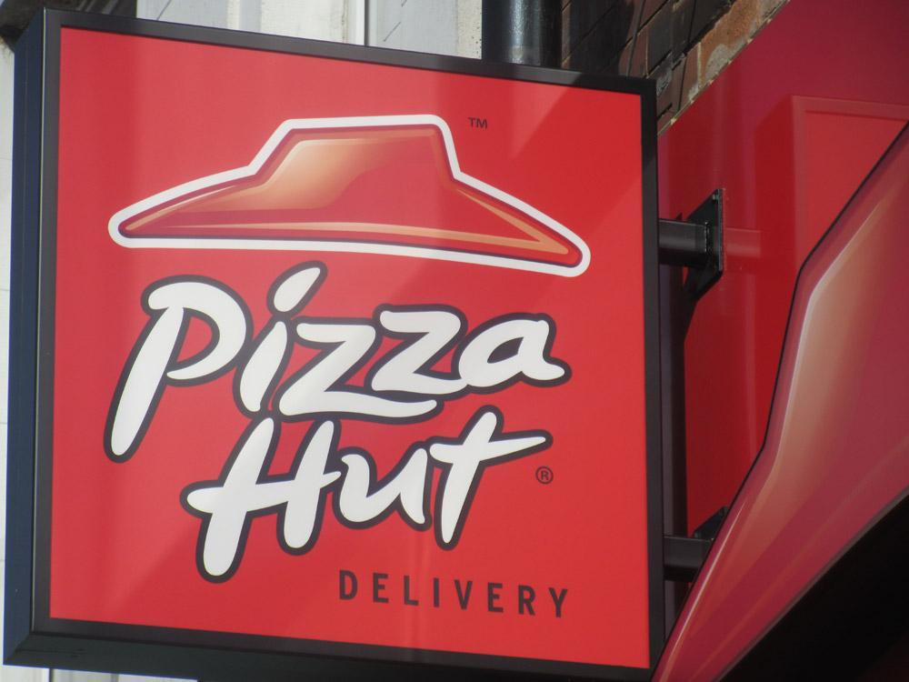 pizza hut signage