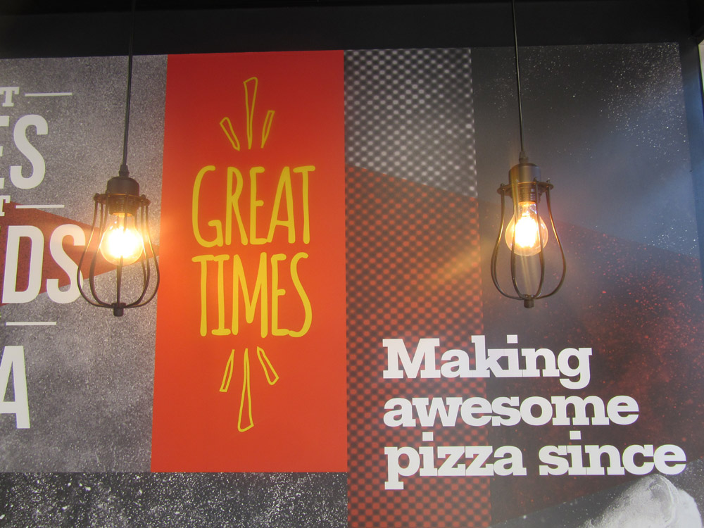 pizza hut internal signage