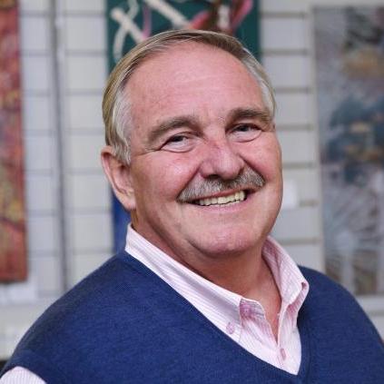 Prof.David Nutt - David Nutt är psykiater och chef för enheten för neuropsykofarmakologi vid Imperial College London. Han är tidigare ordförande i European College of Neuropsychopharmacology (ECNP) och tidigare rådgivare till den brittiska regeringen i narkotikafrågor.David Nutt på researchgate.Se Davids föreläsning från Stockholm här.