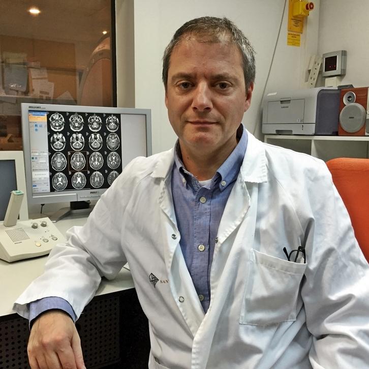 Jordi Riba, PhD - Jordi Riba är en av världens främsta experter på ayahuasca.Han är docent i farmakologi vid Universitat Autònoma de Barcelona. Med närmare 60 publikationer har Ribas forskning lett honom till att studera allt från neurologiska mekanismer till kreativitet, personlighet, meditation och antidepressiva effekter kopplade till ayahuasca.Jordi Riba på researchgate.Se Jordis föreläsning från Stockholm här.